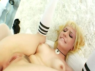 unequalled anal bitch dildoing in the gym